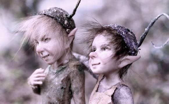 Маленькие человечки и явление из параллельного мира (3 фото)