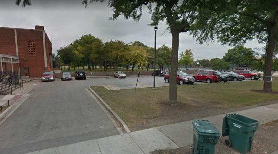 В парке Чикаго на молодую пару напало черное человекоподобное существо