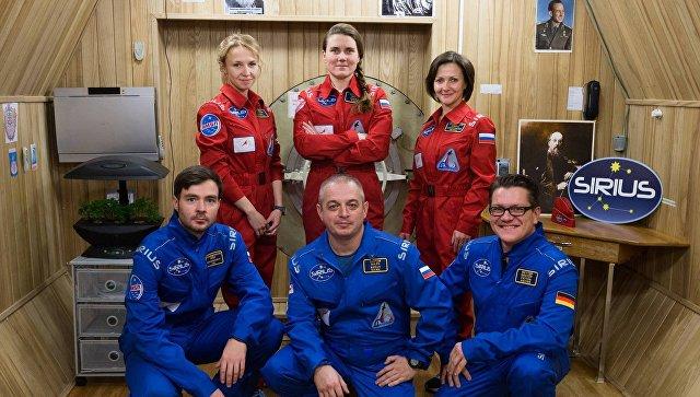 Подготовка к полету на Луну: 6 исследователей проведут в изоляции 17 дней (3 фото)