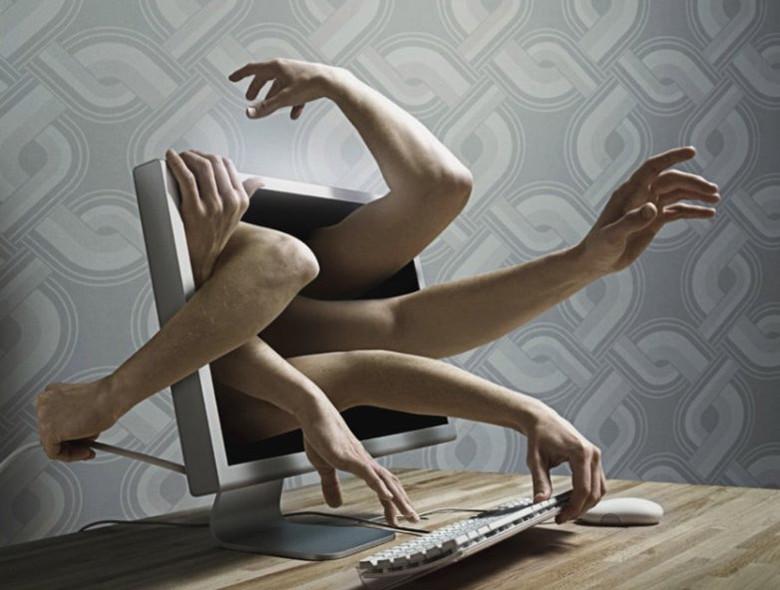 """Компьютерные и телефонные """"барабашки"""" (2 фото)"""