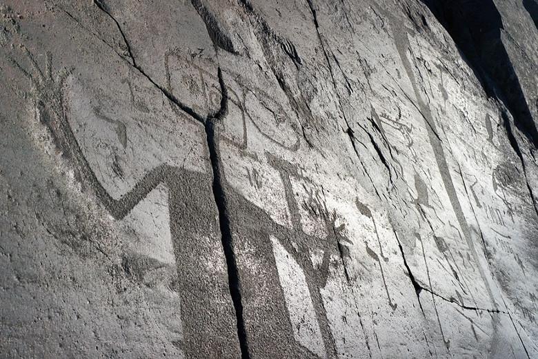 Онежские петроглифы изображают инопланетный визит 6 тысяч лет назад? (9 фото)
