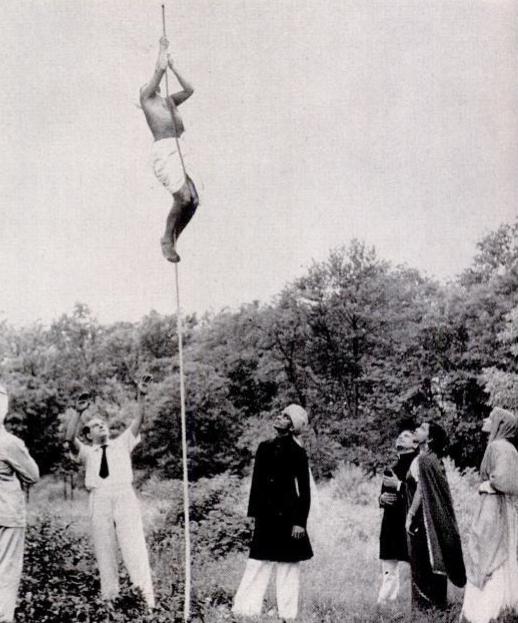 Тайна индийского трюка с веревкой (5 фото)