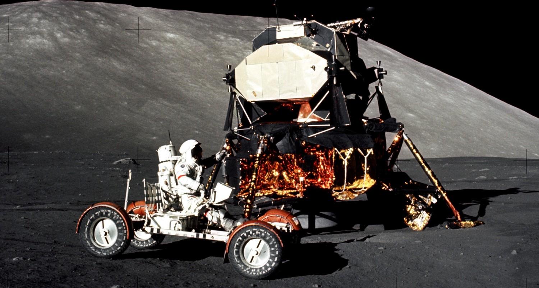 Кто прогнал американцев с Луны?