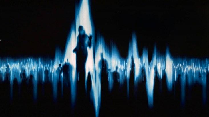 «Белый шум» и переговоры с миром мертвых (2 фото)