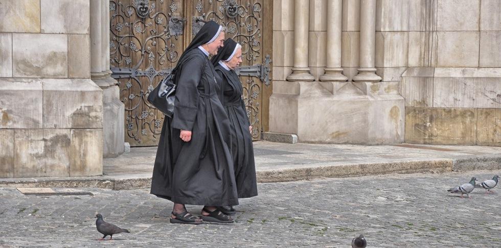 Феномен необъяснимого чудесного запаха христианских монахинь