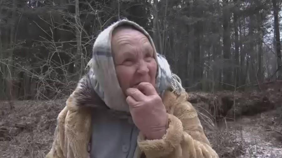 Бабушка из Литвы уверяет, что поедание песка спасло ее от опухоли мозга