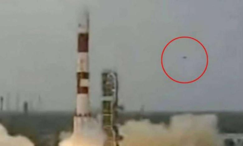 НЛО следят за всеми важными военными объектами (5 фото)