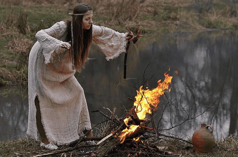 Попавшие в историю случаи с колдунами и ведьмами в России прошлых веков (3 фото)