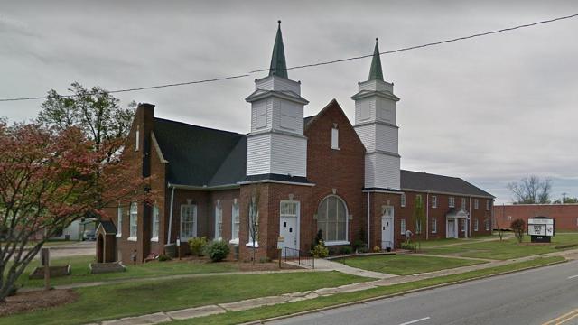 В Южной Каролине во время проповеди в церкви девушка вырвала себе глаза