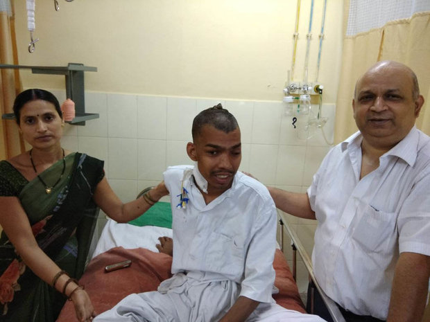 В Индии прооперировали мужчину с крупнейшей в истории опухолью головного мозга (4 фото)