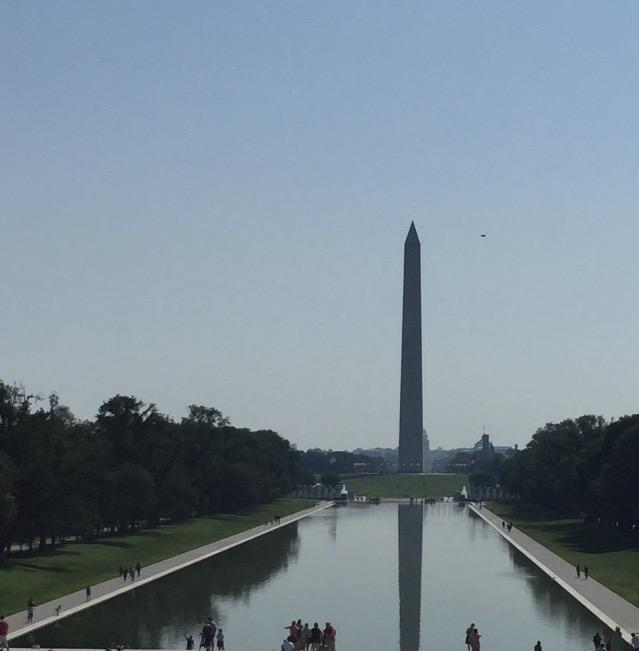Над мемориалом Вашингтона засняли диск НЛО