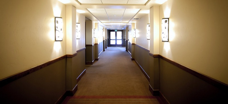 Умерший коллега приходил в свой кабинет, а потом явился ко мне во сне (2 фото)
