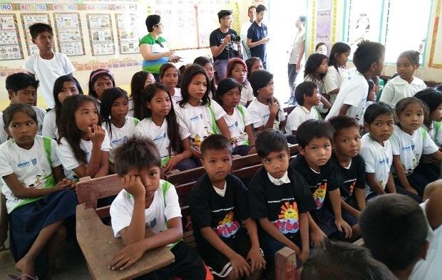 В школе на Филиппинах произошел странный инцидент, когда ученики видели кровавый призрак