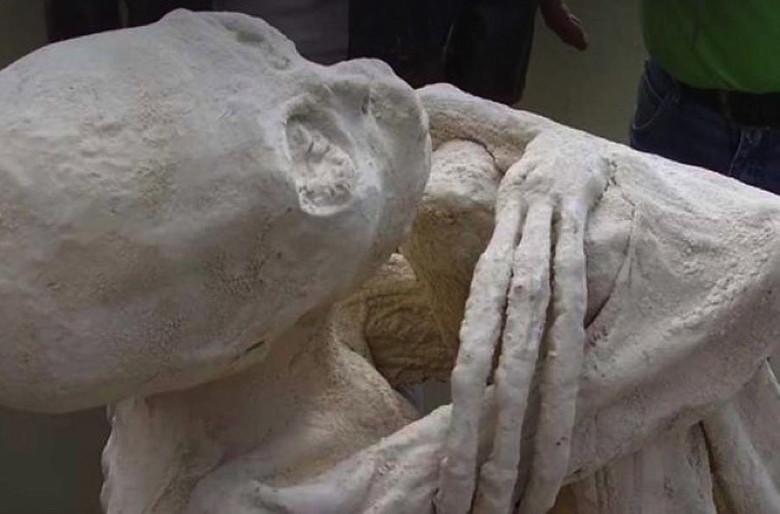 """Антропологи заявили, что """"мумии пришельцев"""" из Наска это подделка"""