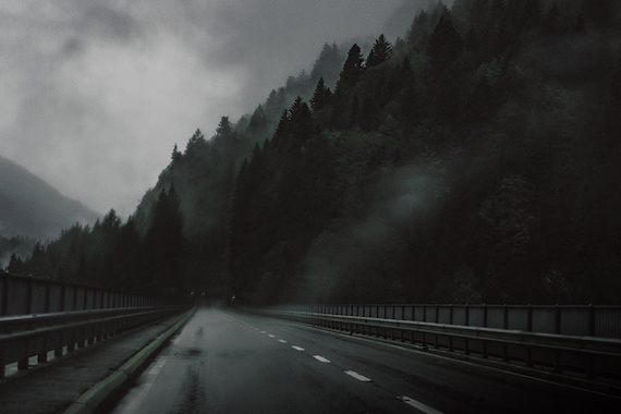 """Встречи со странным дорожным """"троллем"""" в США (4 фото)"""