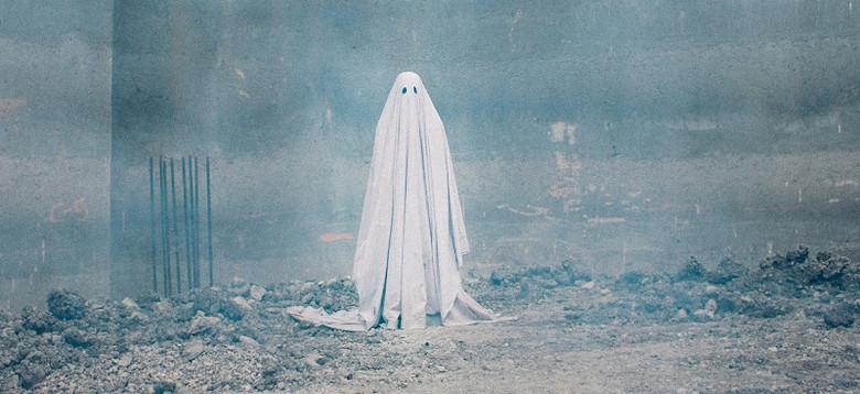 Когда призраки не только пугают, но и убивают людей (4 фото)