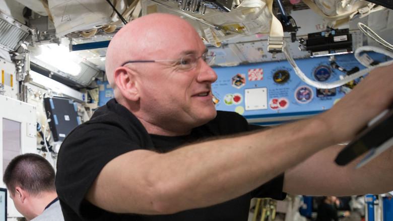 Пребывание в космосе навсегда изменяет вашу ДНК (2 фото)
