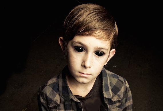 """У """"Детей с черными глазами"""" металлические зубы"""