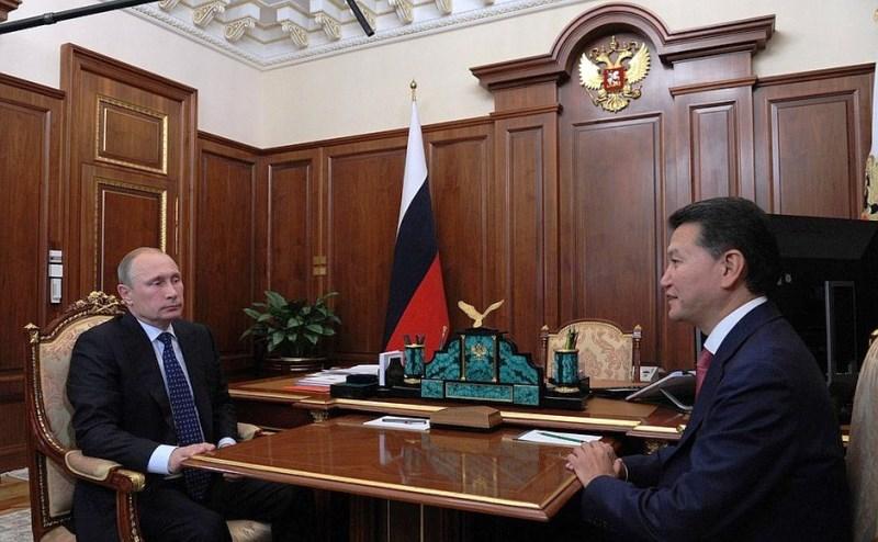 Бывший президент Калмыкии Кирсан Илюмжинов и инопланетяне
