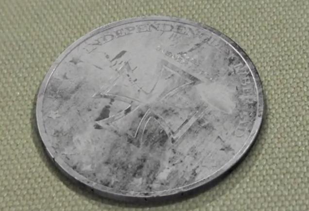 Загадка монеты со свастикой и датой 2039 год (6 фото + видео)
