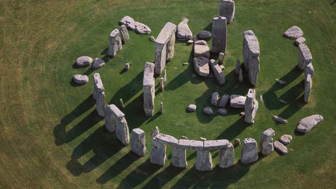 Новая загадка Стоунхенджа: Два больших камня из комплекса уже стояли там, когда в эту местность пришли первые люди