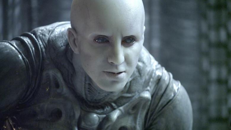 Беседа с 3000-летним пришельцем, живущим на Земле в теле человека (2 фото)