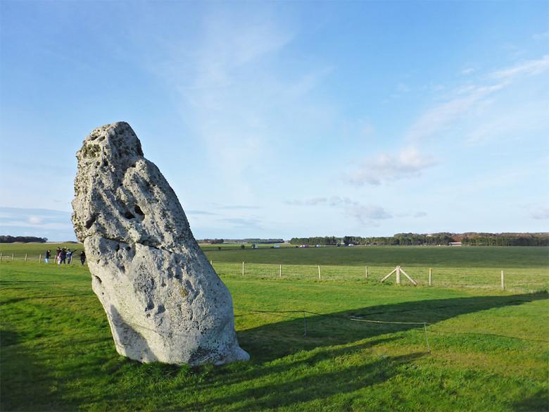 Новая загадка Стоунхенджа: Два больших камня из комплекса уже стояли там, когда в эту местность пришли первые люди (4 фото)