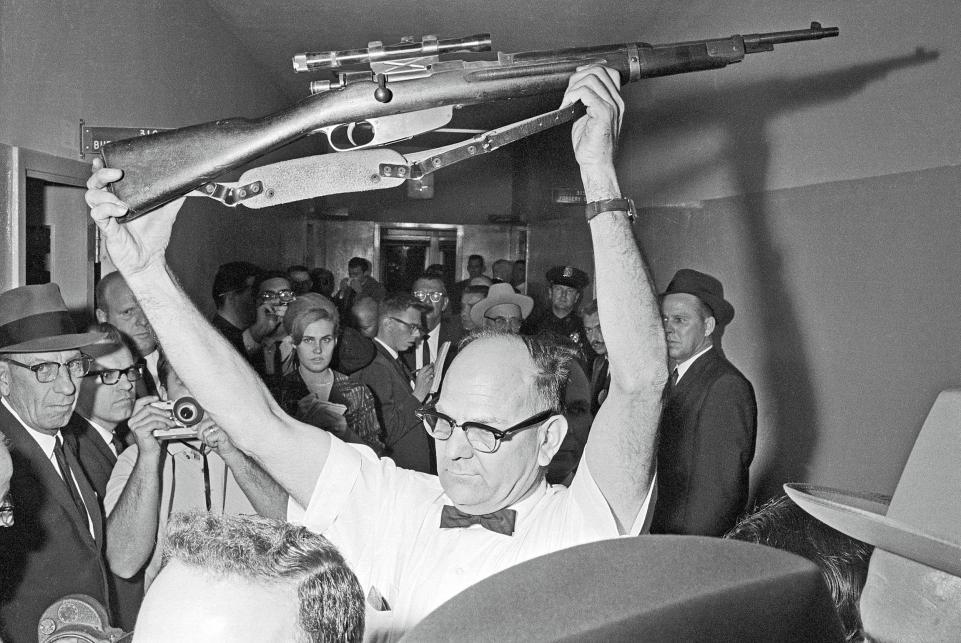 Теории заговора об убийстве президента Кеннеди: Пустой гроб, шесть пуль и... Кеннеди не убивали