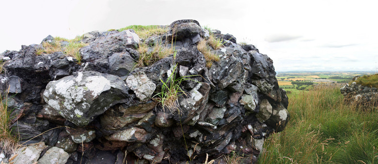 Загадка остекленных стен фортов древней Шотландии (9 фото)