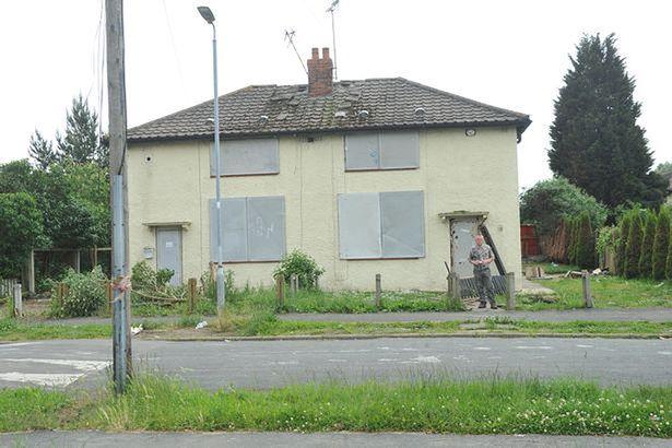 Агрессивный призрак преследовал британца с детства даже после нескольких переездов