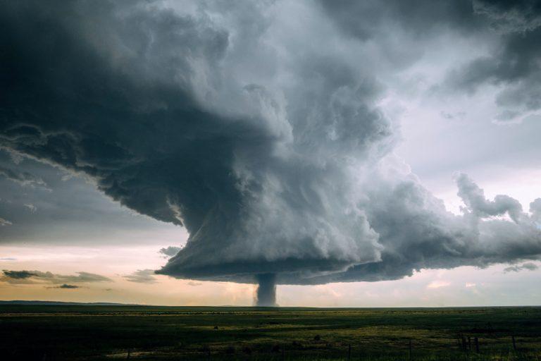 """Невероятные фотографии """"ядерного"""" торнадо в Вайоминге"""