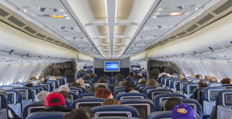 Встреча со странными детьми в самолете (3 фото)