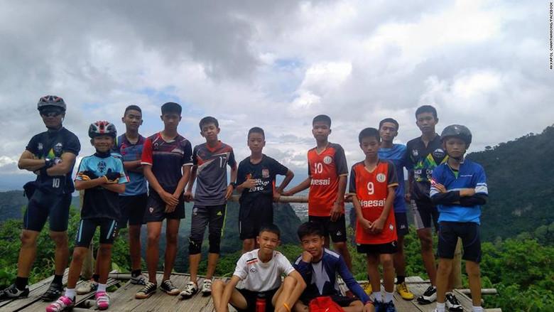 12 мальчиков и их тренер бесследно пропали в тайской пещере, в которой по легендам живет призрак