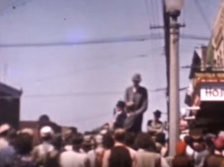 Опубликовано редкое цветное видео с самым высоким человеком на Земле, умершим в 1940 году (9 фото + видео)