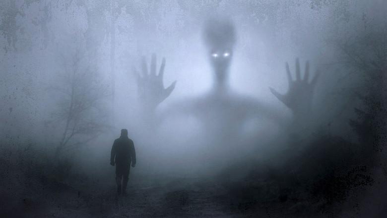 Я часто видел очень реальные сны о сверхъестественном (2 фото)