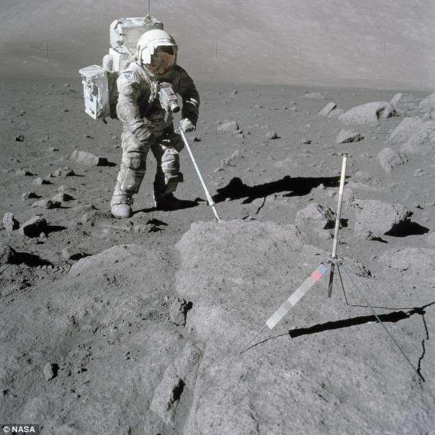 """Новое исследование """"Лунной сенной лихорадки"""": странной болезни, которой заболевали все, кто ходил по Луне (2 фото)"""