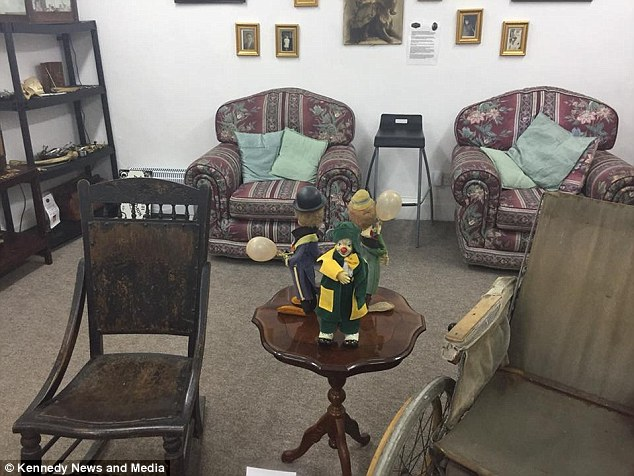 В музее на камеру засняли движущуюся фигурку клоуна (2 фото + видео)