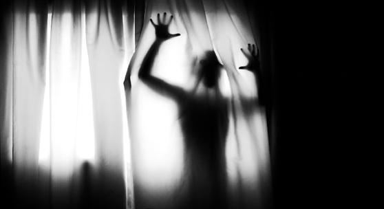 """Кошмары наяву: """"То, что беспокоило меня, сидело в моем шкафу"""" (3 фото)"""