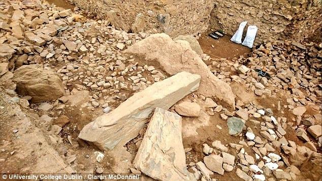 В Ирландии нашли 5500-летние гробницы с камнем, покрытым круглыми узорами