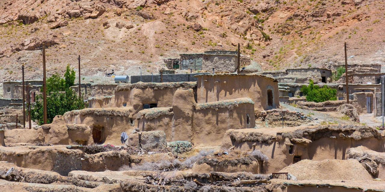 Загадка древней деревни в Иране, где все дома для людей очень маленького роста