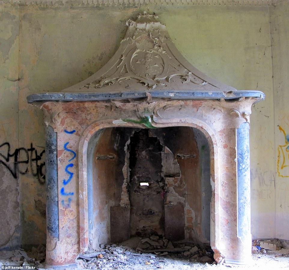 Полуразрушенный дом с привидениям в Италии, в чьих стенах произошло зверское убийство