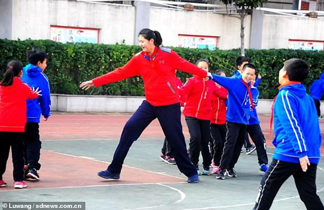 Самая высокая девочка в мире: В 11 лет китаянка имеет рост 210 см