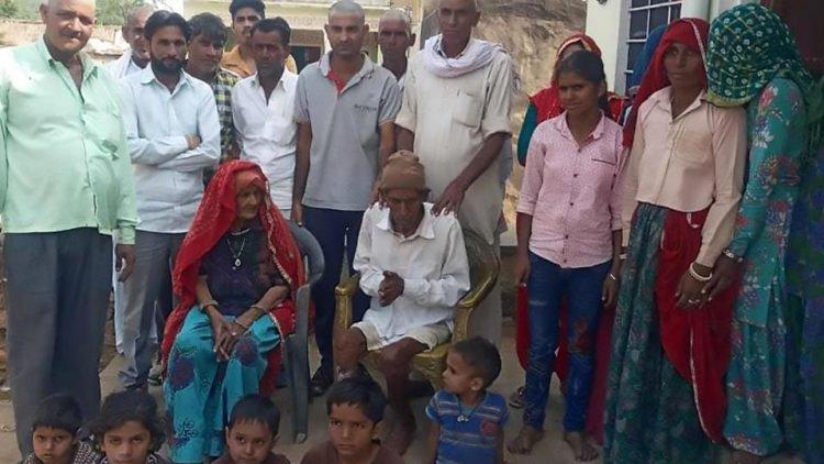 Признанный мертвым 95-летний индиец очнулся при обмывании для похорон