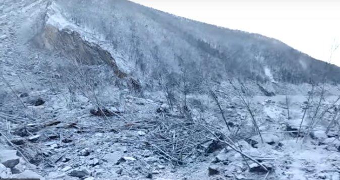 В Хабаровском крае огромный упавший метеорит перегородил Реку 1