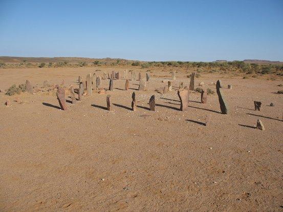 Картинки по запросу Сотни загадочных каменных сооружений в Западной Сахаре