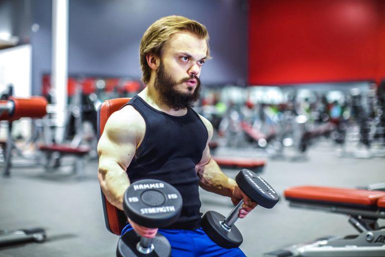 Карлик-бодибилдер мечтает соревноваться с обычными людьми
