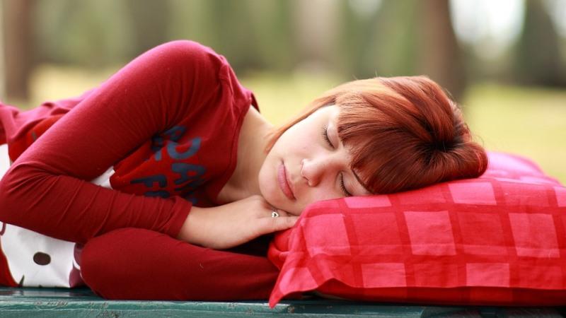 Сон помогает человеку избавиться от биохимического «мусора»