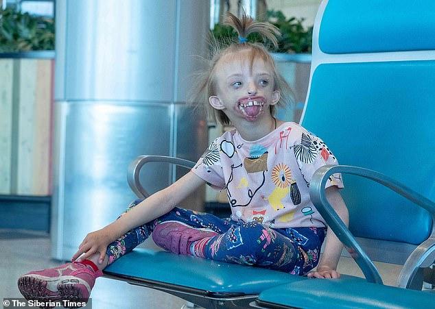 «Когда я увидела ее, то упала в обморок»: Лондонские хирурги сделают российской девочке новое лицо