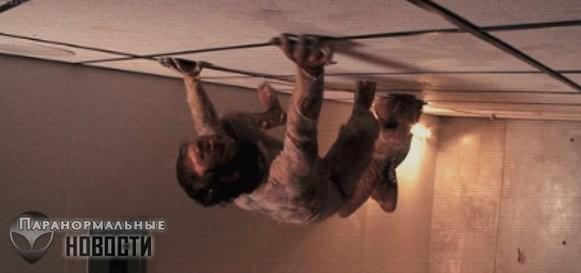 7-летняя девочка видит невидимых людей и в том числе на потолке