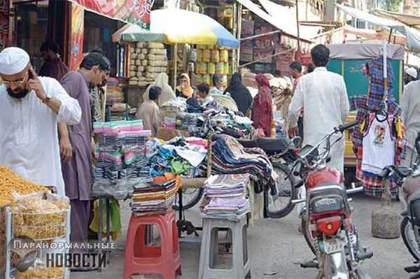 По ночам на рынке в Карачи видят чупакабру?